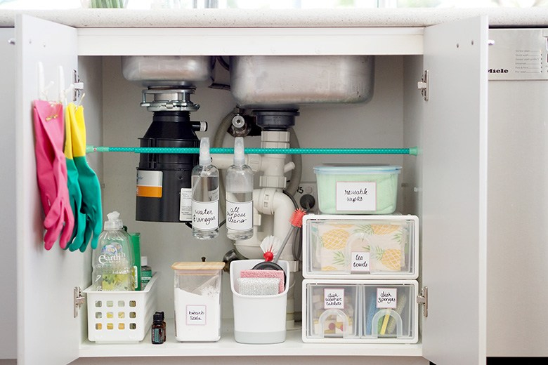 How-to-organise-under-the-kitchen-sink-cupboard-2a